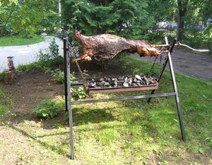 #Jērs uz iesma #jērs # jēra cepetis # vesels grilēts jērs #Whole Lamb BBQ How To #Lamb on a spit #Pig on the spit